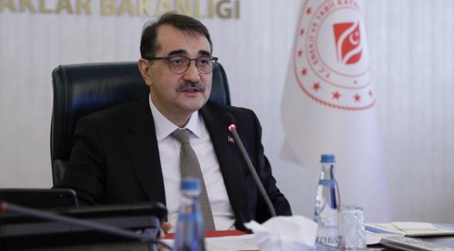 Bakan Dönmez: Elektrik ve gazda hizmetler kesintisiz devam edecek