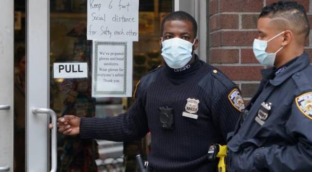 New Yorkta koronavirüs nedeniyle hastaneye kaldırılanların sayısı yüzde 40 arttı