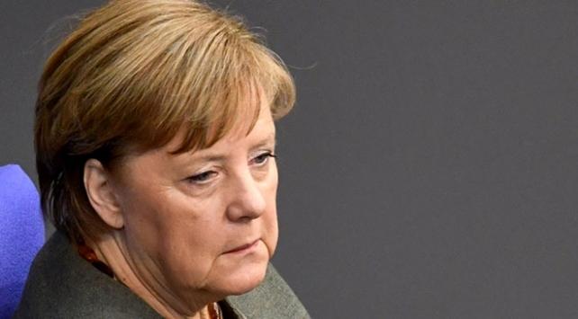 Merkel: Covid-19, 2008 banka ve finans krizinden daha kötü