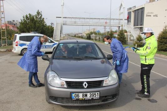 Zarada yolculara koronavirüs taraması yapıldı