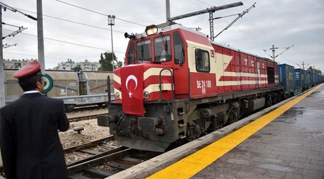 Bakü-Tiflis-Kars demir yolu ticaretin hizmetinde