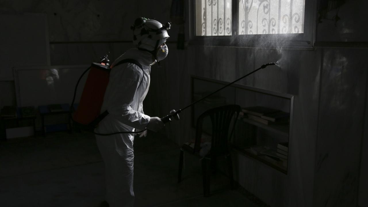 Fırat Kalkanı bölgesinde camiler dezenfekte ediliyor