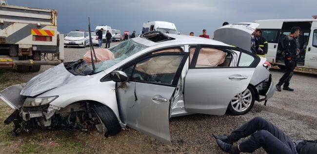 Uyuşturucu zanlısı kadını kaçıran kişilerin kullandığı otomobil akarsuya düştü