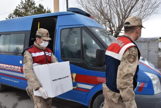 Karsta Vefa Sosyal Destek Grubuna gelen 575 talebin 572si karşılandı