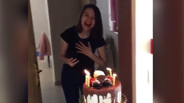 Karantinadaki öğrenciye doğum günü sürprizi
