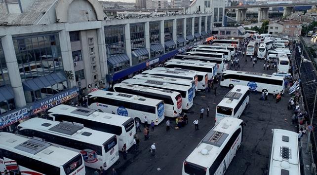 İstanbulda otobüsle şehir dışına çıkışlar durduruldu