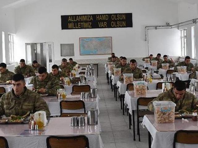 Sosyal mesafe kuralına birliklerde de uyuluyor