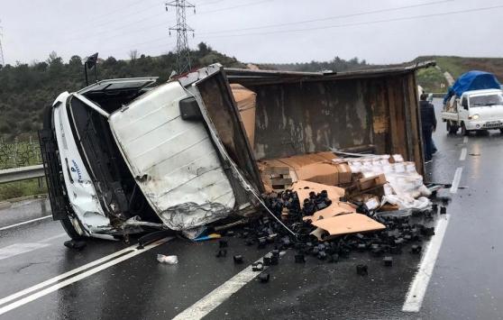 Bilecikte kamyonet devrildi: 1 yaralı