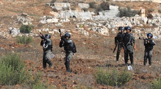 İsrail askerleri Batı Şeriada 4 Filistinliyi yaraladı
