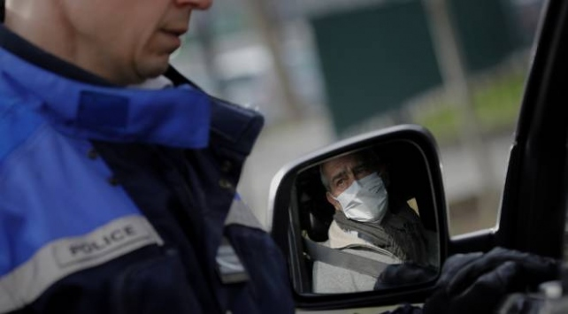 Hollanda Çinden ithal ettiği maskeleri toplatma kararı aldı