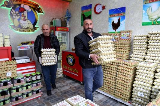 Fedakar sağlık çalışanlarına bir destek de organik yumurta üreticisinden
