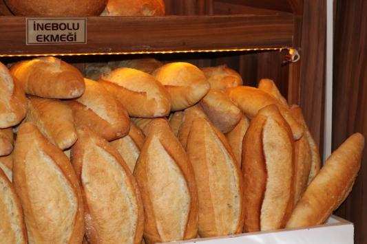 """Kastamonuda """"askıda ekmek""""ler ihtiyaç sahiplerine ulaşıyor"""