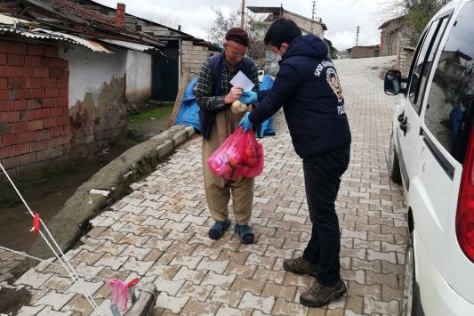"""Elazığda """"Vefa Sosyal Destek Grubu"""" 7 bin 701 aileye yardım eli uzattı"""