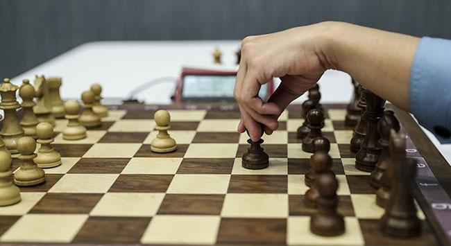 10 yaş ve altı kızlar için online satranç turnuvası