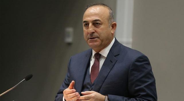 """Çavuşoğlundan yurt dışındaki vatandaşlara """"evde kalın"""" çağrısı"""
