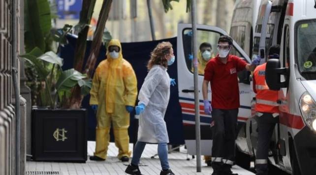 Hollandada COVID-19 nedeniyle hayatını kaybedenlerin sayısı 771e yükseldi