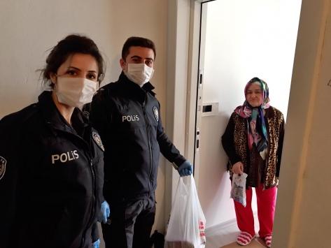 Gömeçte 66 yaşındaki kadının ilaç ve kolonya çağrısına polis ekipleri koştu