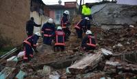 Malatya'da iki katlı metruk bina çöktü
