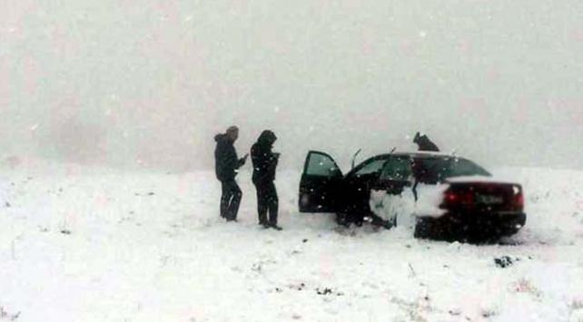 Ali Dağında mahsur kalan sürücünün yardımına ekipler koştu