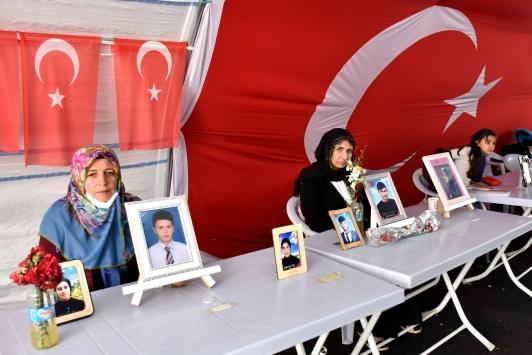 Diyarbakır annelerinin evlat nöbeti 210. gününde sürüyor