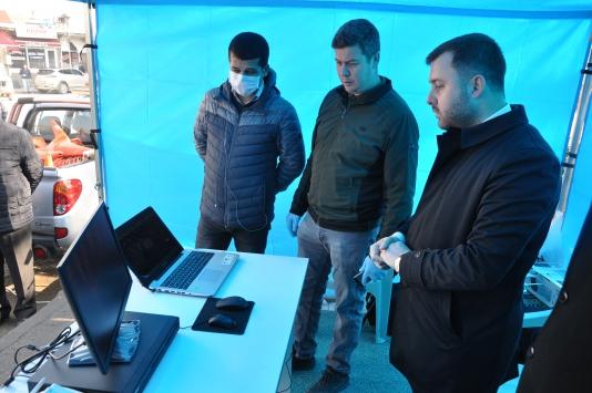 Ezinede vatandaşlar termal kamerayla kontrol ediliyor