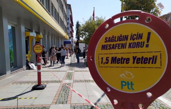 """Edirnede PTT ve banka şubelerinden """"sosyal mesafe"""" önlemi"""
