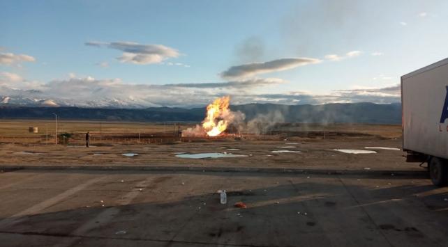 Ağrıda sınırdaki doğal gaz boru hattında patlama