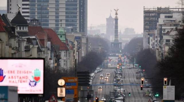 Almanyada koronavirüsten ölenlerin sayısı 583e yükseldi