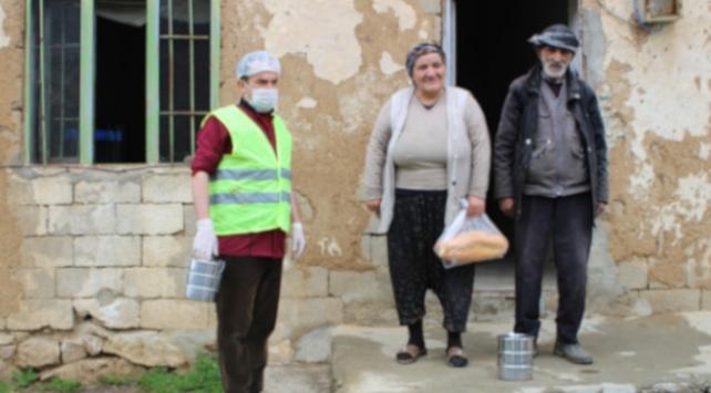 Şemdinlide ihtiyaç sahibi ailelere yardım ediliyor