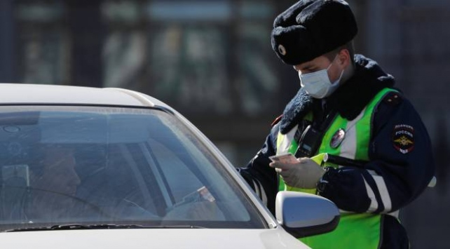 Rusyada 27 bölgede sokağa çıkma yasağı ilan edildi