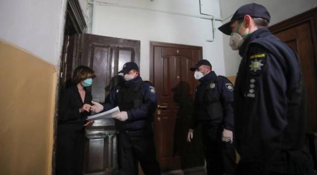 Ukraynada karantinadan kaçanlara hapis cezası