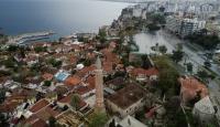 Antalya'ya gelenler 14 gün ikametgahlarında gözetim altında tutulacak