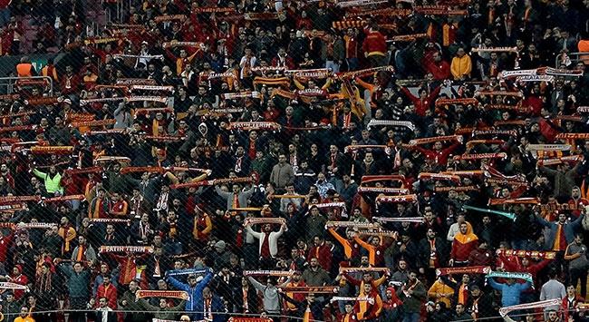 Galatasaray taraftarından sağlık çalışanlarına destek