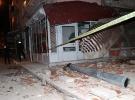 Elazığ'da 5 katlı binanın çatısı çöktü