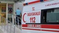 Koronavirüs hastasını hastaneye dönmeye yakınları ikna etti