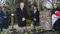Bahçeli'den Alparslan Türkeş'in anıt mezarına ziyaret
