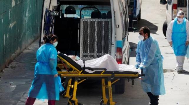 Hollandada ölü sayısı bin 651e yükseldi