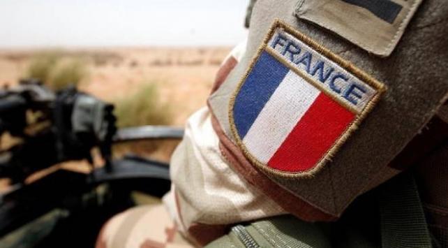 Fransada 600 askerde koronavirüs tespit edildi