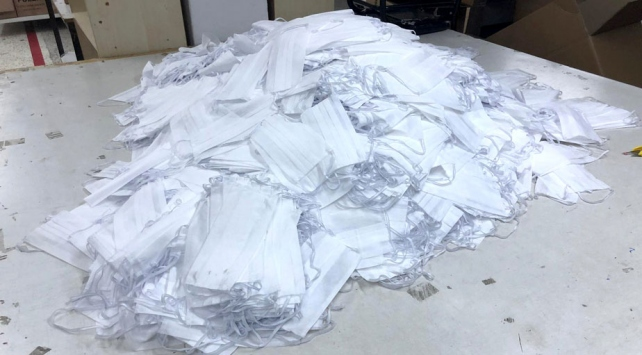 İstanbulda 2 milyondan fazla kaçak maske ele geçirildi