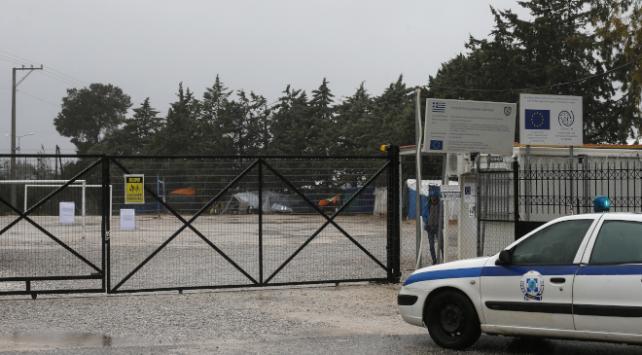 Yunanistanda sığınmacı kampı karantinada