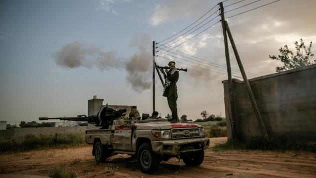 Darbeci Hafter'e ait askeri uçak vuruldu