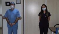 Rize'de koronavirüsü yenen hemşireler alkışlara göreve döndü