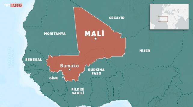 Malide askeri kampa saldırı: 22 ölü