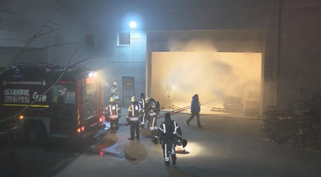 İstanbulda mobilya fabrikasında yangın