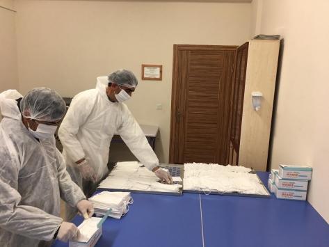 Edirnede hükümlüler günde 800 maske imal ediyor