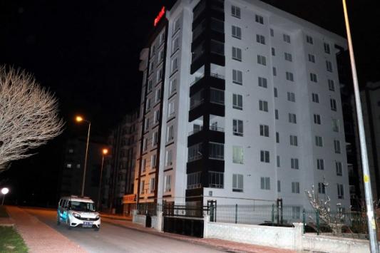 Kayseri'de 8 katlı bina karantinaya alındı