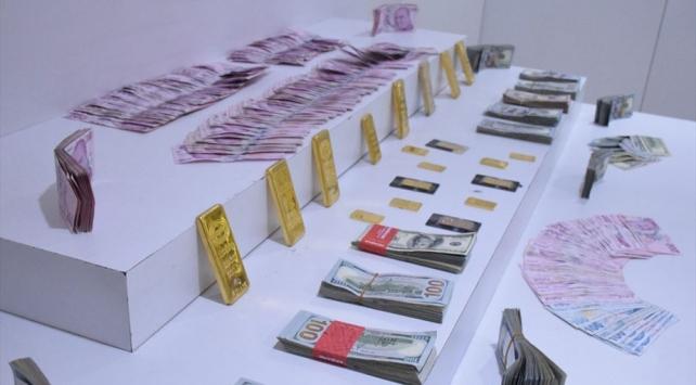 Çalıştıkları evden 11 kilo altın ve 140 bin euro çalanlar yakalandı