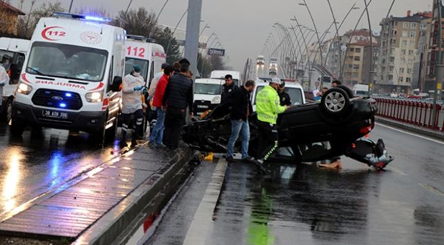 Kayseride otomobil devrildi, sürücü yara almadan kurtuldu