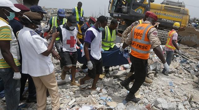 Nijeryada zincirleme kazanın ardından yangın çıktı: 12 ölü