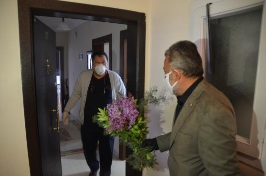 Kahramanmaraşta koronavirüsü yenen 55 yaşındaki KOAH hastası taburcu edildi